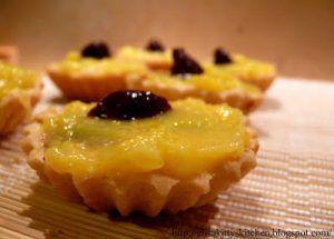 Mini Crostatine lemon curd e marmellata di visciole