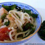 Canton Noodle con gamberetti, verdure e alga wakame