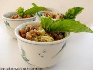 Piccole insalatine di farro con pesto alla genovese e brie
