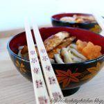 Udon soup con pollo e funghi shiitake