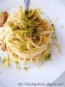 Spaghetti con bottarga, pistacchi di Bronte e zest di limone
