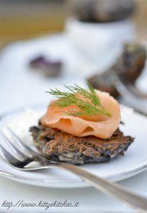 """Latkes di patate viola e salmone per """"In the food for wine"""""""