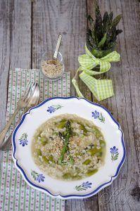 Risotto agli asparagi, pecorino e granella di nocciola