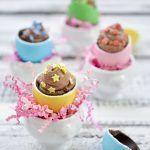 Uova ripiene di crema cheesecake al cioccolato