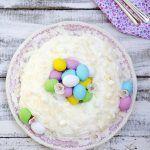 Ciambella di Pasqua al latte caldo e panna