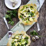 Insalata di patate novelle, uova di quaglia e asparagi