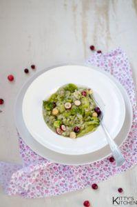 Risotto con broccoletti nocciole e cranberries